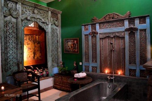 lali djiwo heritage spa, bathub