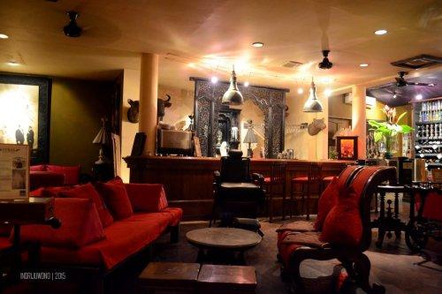 tempat duduk santai di ban lam bar