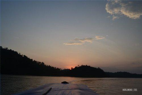 14-mandeh-sumatera-barat-laut-sunset