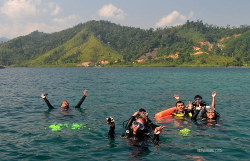 31-mandeh-sumbar-pulau-setan-laut