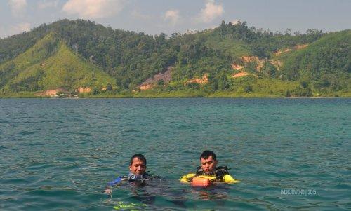 32-mandeh-sumbar-pulau-setan-laut