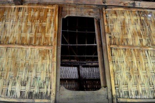 13-sembalun-lawang-desa-adat-beleq-blek-pintu-rumah
