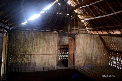 16-sembalun-lawang-desa-adat-beleq-blek-sekat-dalam-rumah