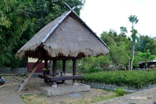 21-lombok-sembalun-lawang-desa-adat-beleq-blek-lumbung