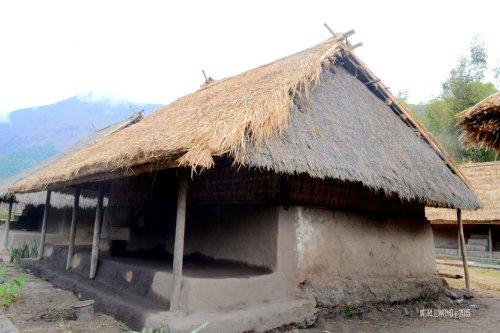 7-sembalun-lawang-desa-adat-beleq-blek-rumah