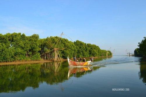 10-matahari-terbit-lasem-perahu-muara-sungai