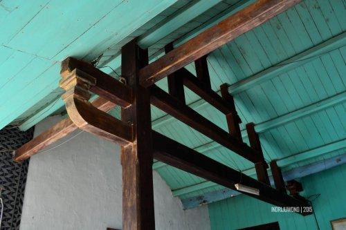 32-lasem-heritage-karangturi-rumah-batik-beranda-teras-konstruksi-atap