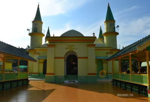 5-pulau-penyengat-kepri-masjid-raya