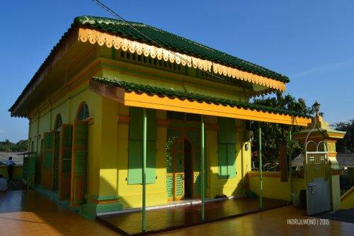 6-pulau-penyengat-kepri-masjid-raya
