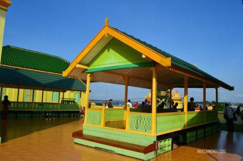 7-pulau-penyengat-kepri-masjid-raya