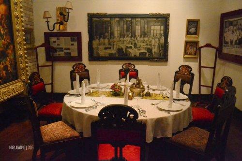 12-tugu-kunstkring-paleis-review-interior-rijsttafel