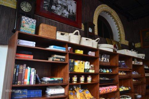26-tugu-kunstkring-paleis-review-interior-cafe-bluder