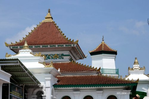12-jembatan-ampera-atap-masjid-agung-palembang