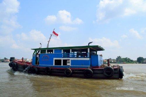 21-sungai-musi-kapal-besi-besar
