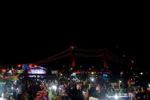 24-jembatan-ampera-lampu-malam-palembang