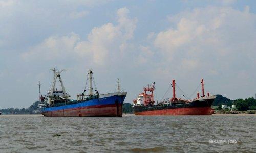 24-sungai-musi-kapal-besi-besar-jangkar