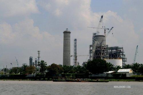 28-sungai-musi-kapal-pabrik-pupuk-sriwijaya