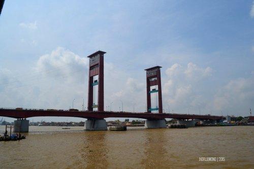 3-jembatan-ampera-sungai-musi-palembang