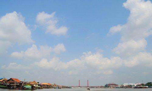 30-sungai-musi-kapal-jembatan-ampera