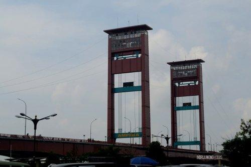4-jembatan-ampera-sungai-musi-palembang