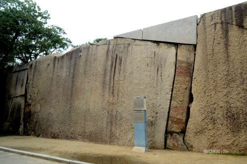 10-osaka-castle-guardwall-bigwall