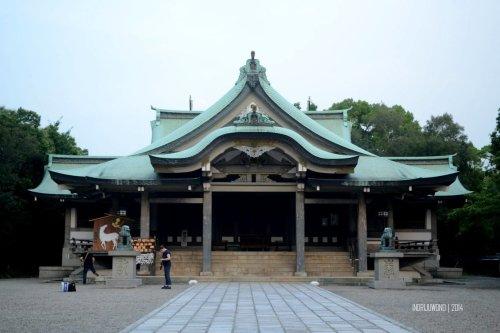 11-osaka-castle-hokoku-shrine