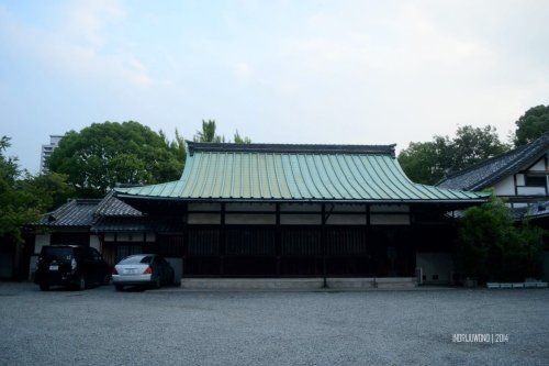 12-osaka-castle-hokoku-shrine