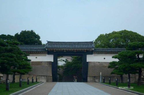 15-osaka-castle-ota-gate-outer-courtyard