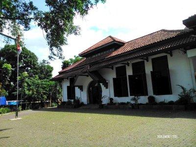 gedung indonesia menggugat