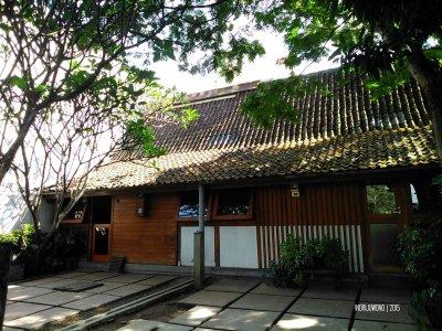 rumah kayu masa lalu