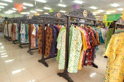 11-batik-trusmi-pakaian-jadi-cirebon