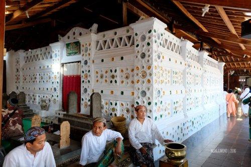 8-ziarah-keramik-gunung-jati
