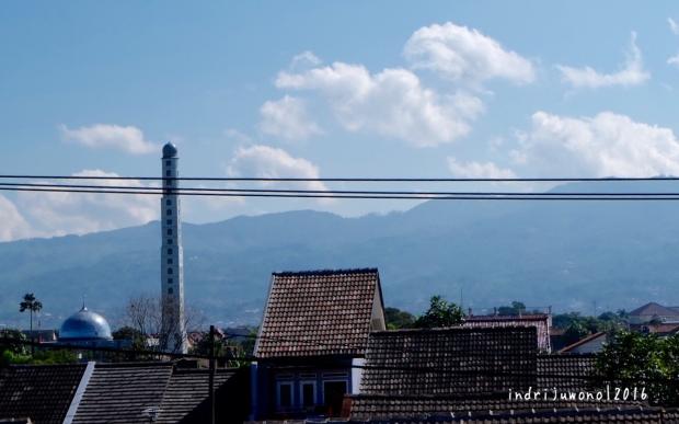 atap-rumah-riung-bandung