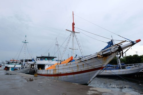 3-makassar-pelabuhan-paotere