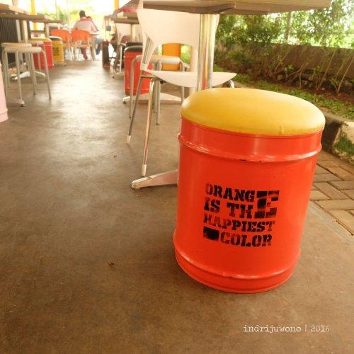 9-orange-resto-bogor-stasiun-sancang