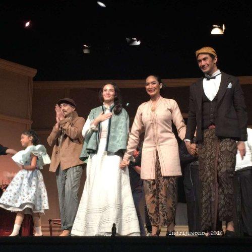 teater-bunga-penutup-abad-aktris-aktor