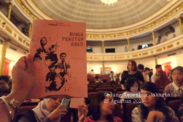 teater-bunga-penutup-abad-booklet