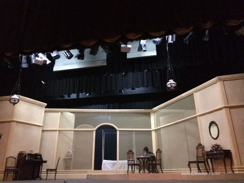 teater-bunga-penutup-abad-setting-panggung