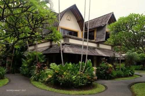 1-hotel-villa-lumbung-seminyak-bali-deluxe
