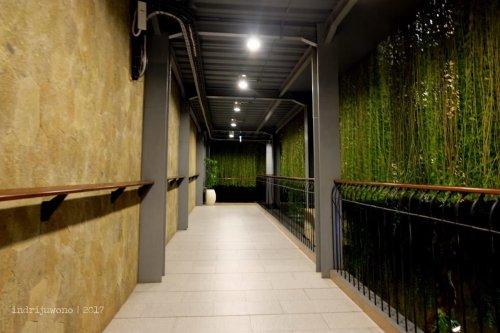 11-the-one-legian-hotel-bali-corridor
