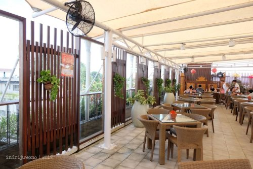 17-the-one-legian-hotel-bali-rooftop-restaurant