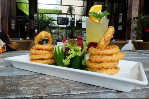 21-de-basilico-the-one-legian-kitchen-restaurant-onion-rings