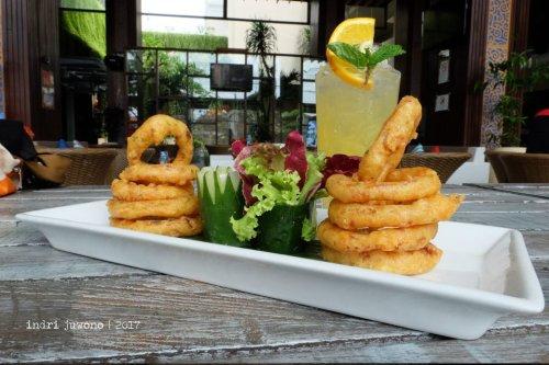 21-de-basilico-the-one-legian-kitchen-restaurant-onion-rings