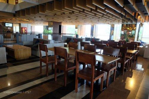 21-the-one-legian-hotel-bali-lobby