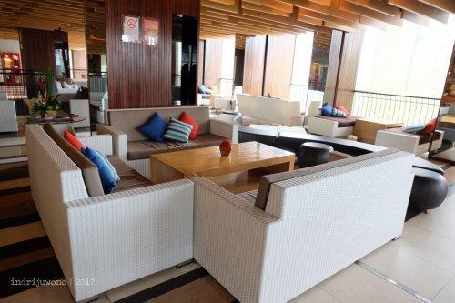22-the-one-legian-hotel-bali-lobby