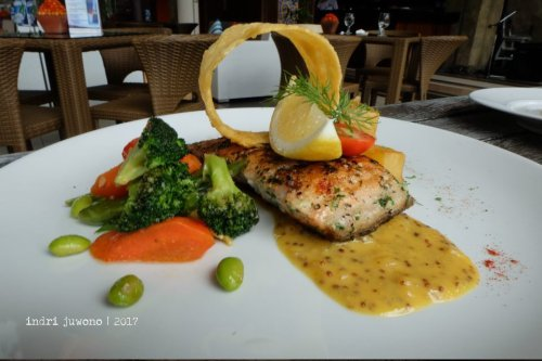 23-de-basilico-the-one-legian-kitchen-restaurant-norwegian-salmon
