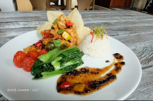 24-de-basilico-the-one-legian-kitchen-restaurant-chicken-black-bean-sauce