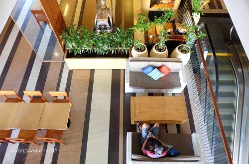 25-the-one-legian-hotel-bali-lobby-b