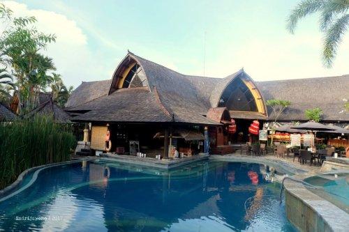 34-hotel-villa-lumbung-seminyak-bali-swimming-pool