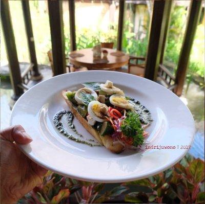 37-hotel-villa-lumbung-seminyak-bali-restaurant-antipasti